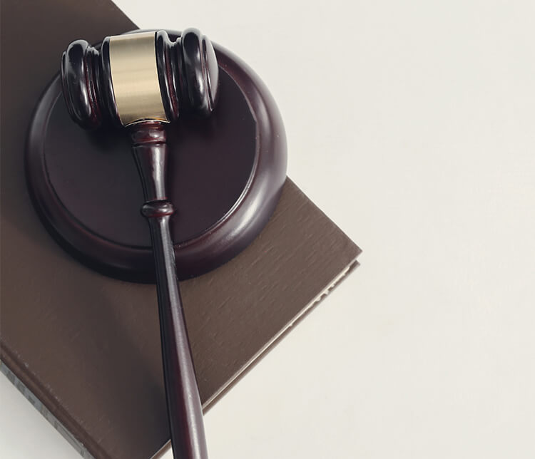 What is the legal status of electronic signatures?